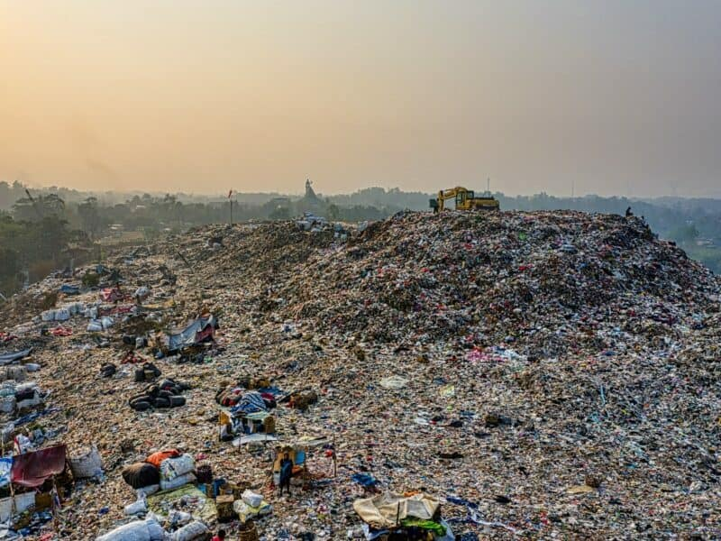 large landfill that can cause toxic chemicals to affect water quality in groundwater sources