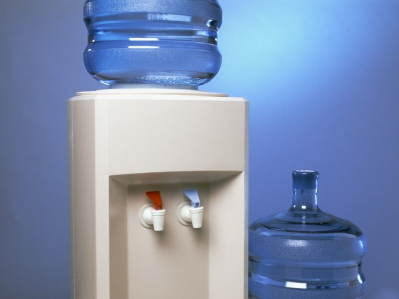 filtered water dispenser with hot and cold water options